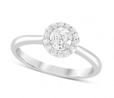 The Amia Diamond Halo Rings